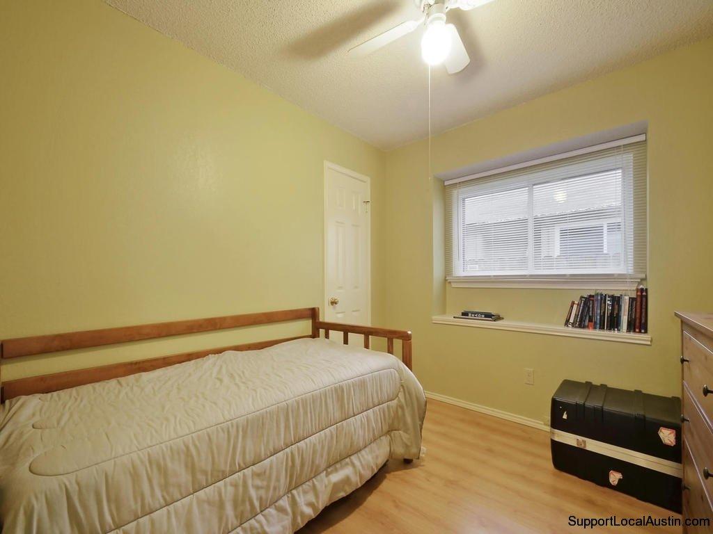 1415-laurel-glen-blvd-bedroom