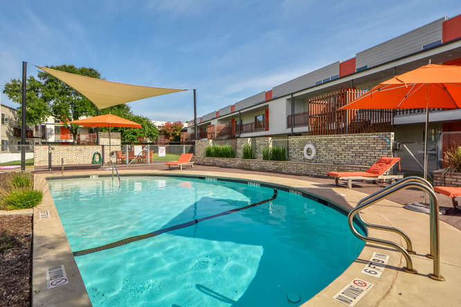 Akoya Condo Pool 2200 Dickson Dr Austin, TX 78704